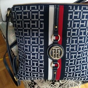Authentic Tommy Hilfiger Cross body bag